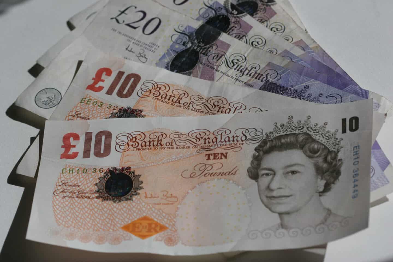 Britiske pund tæt på historisk lavpunkt