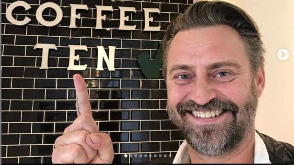 Bøde og sur smiley til kaffebar