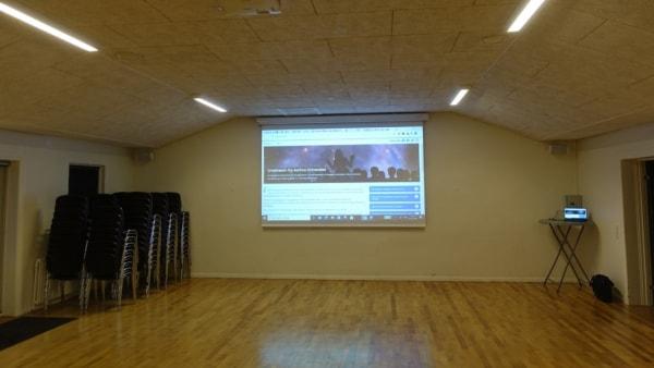 Storskærm og ny projektor indvies med foredrag...
