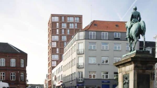 Omdiskuteret sag om højhus i 12 etager ender...