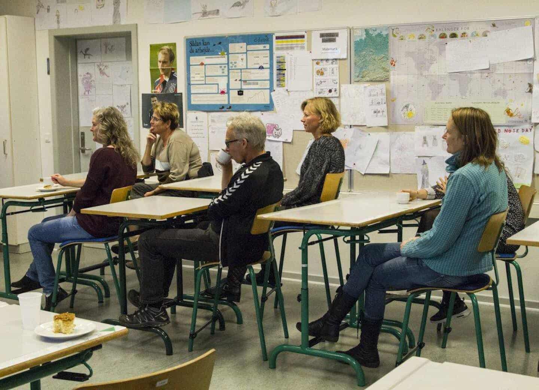 9f1c42967aa Ølstrup Skole inviterede torsdag aften naboer og andre interesserede  indenfor på friskolen, der gerne vil være større. Pressebillede.
