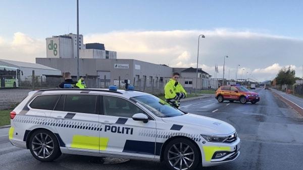 Kortsluttet elkabel løftede fliserne: Havnegade i Odense spærret i to timer