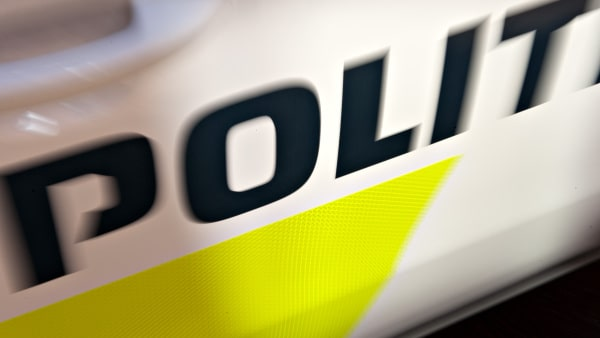 Mand sigtet for røveri og tyveri af bil