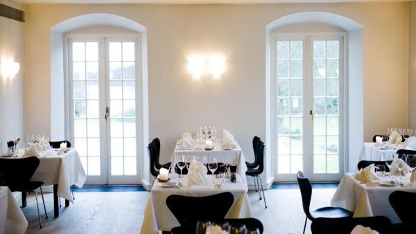 Madanmeldelse af Den Hvide Dame (Hindsgavl Slot) fra fyens.dk