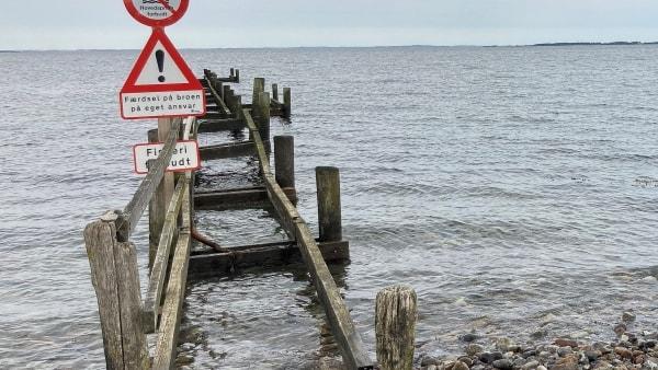 Populær badebro lever på lånt tid: - Broen er slidt op - den kan ikke repareres mere