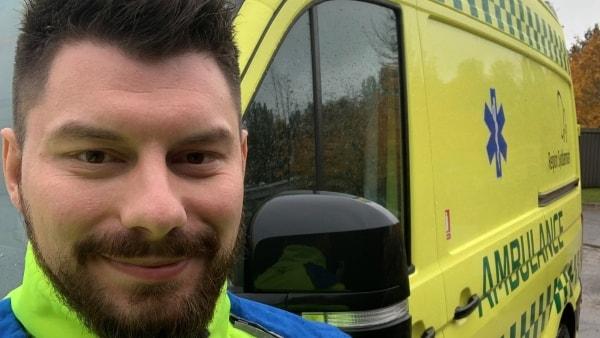 Otte ud af ti overvejer at forlade jobbet: Hårde arbejdsvilkår presser ambulancereddere - Odense er særligt ramt