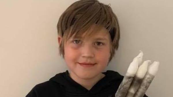 Jonathan på ni år: Værsgo hospitalsklovner, her er 20.000 kroner