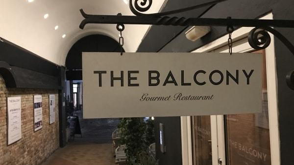 Madanmeldelse af The Balcony fra fyens.dk